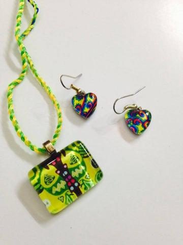 Mor-Pankh Glass Pendant and Earrings