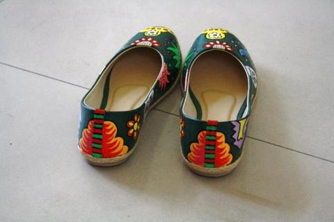 DREAMZZZZ - Hand Painted Shoes - Custom Order