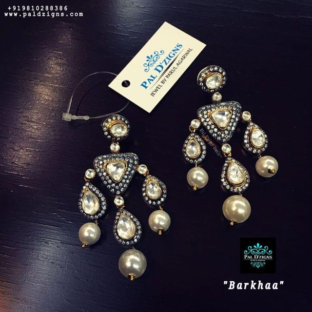 Barkhaa Antique Earing