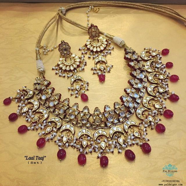 Laal Taaj Necklace Set