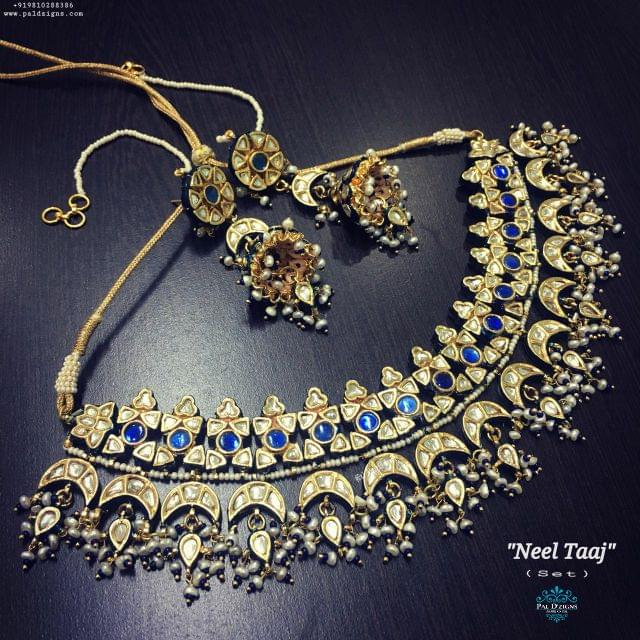Neel Taaj Necklace Set