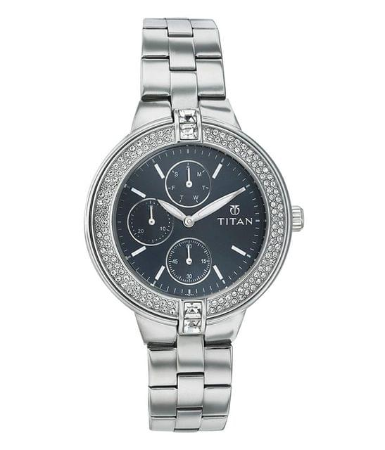Titan 9967Sm01 Women's Watch
