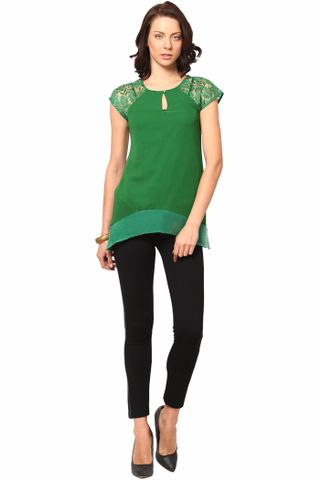 Sleeveless Round Neck Top In Poly Ggt Fabric /TSF2252