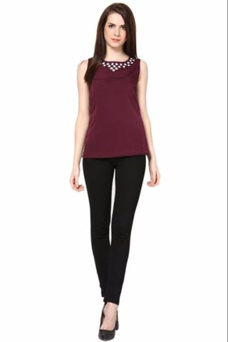 Sleeveless Round Neck Top With Embroidary On Neck Line /TSF2297