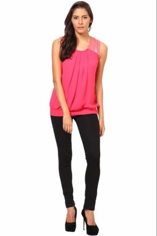Sleevesless Top With Sequins Patch On The Shoulders /TSF2299