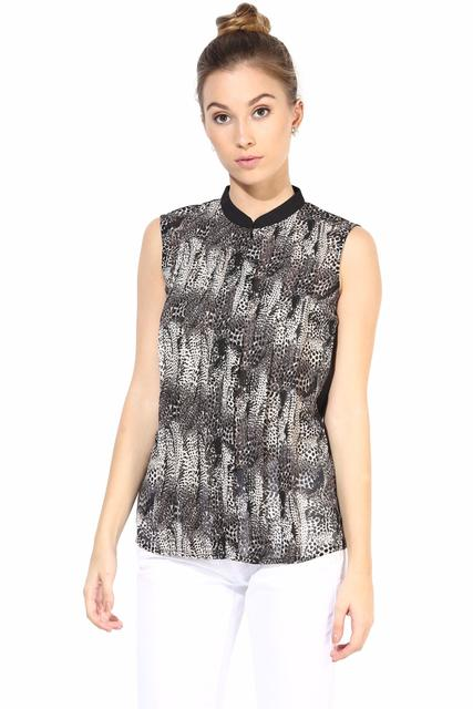 Casual Top With Center Front Zip/TSF400338