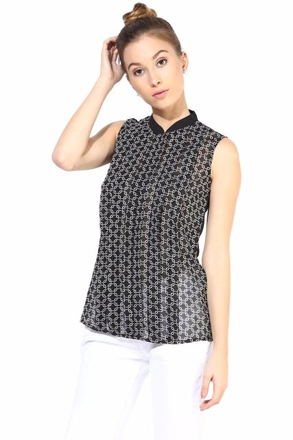 Casual Top With Center Front Zip/TSF400339