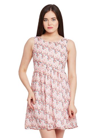 Front cut out flared dress in red print with gathers at waist / DRF500437