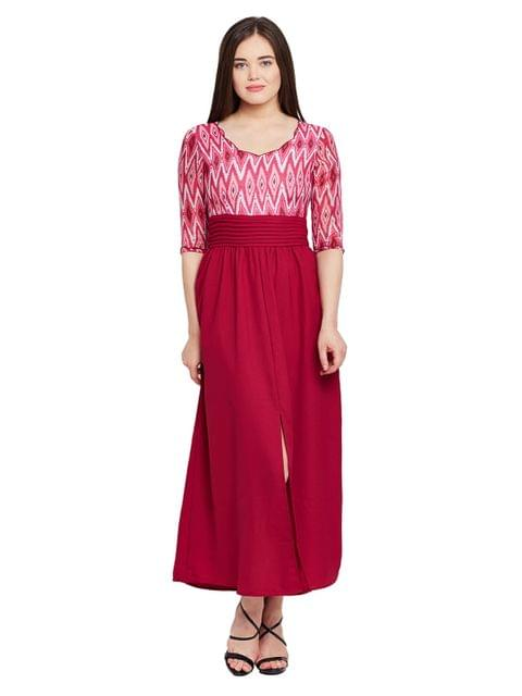 Maxi dress in marsala print with scalloped neckline and pleated waist / DRF500480