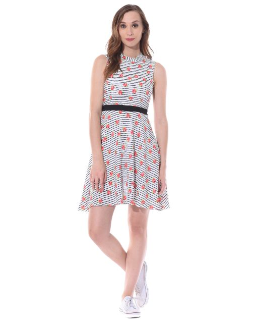 Skater dress in red floral stripes with a thin waist band / DRF500522