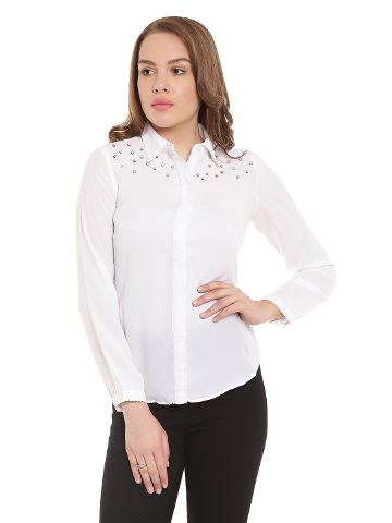 Off White Casual Top With Embellishment At Placket/ TSF400306