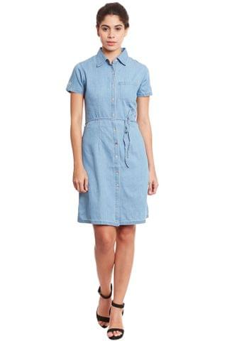 Front button down shirt dress in denim light blue wash/ DRF500564