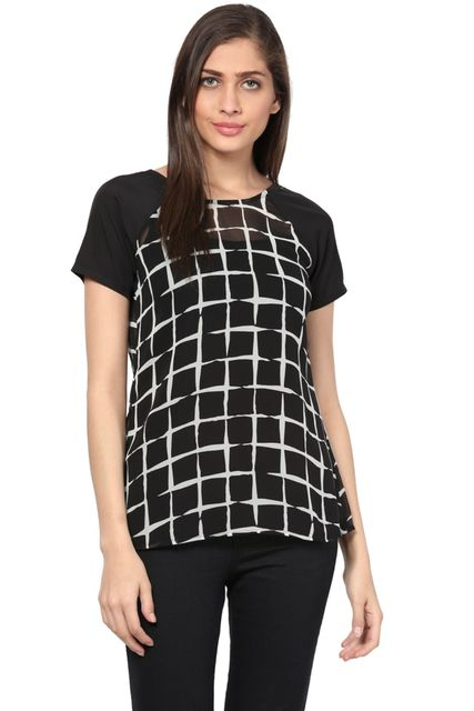 Back Button Down Top In Black Print/ TSF400746