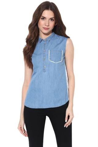 Basic Top In Denim Light Wash With Pocket And Concealed Placket Detail At Front /TSF400814
