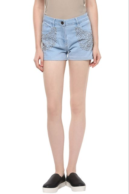 Light Wash Denim Shorts With Beads Detailing At The Sides /SHF350157