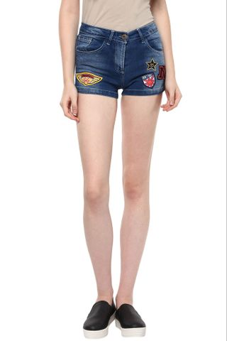 Dark Wash Denim Shorts With Colourful Crests At Front /SHF350171