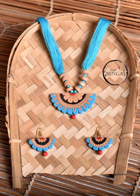 Handcrafted Terracotta Jewelry set in Blue - Red - Black
