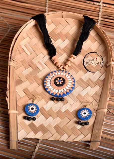 Handcrafted Terracotta Jewelry set in Black & Blue