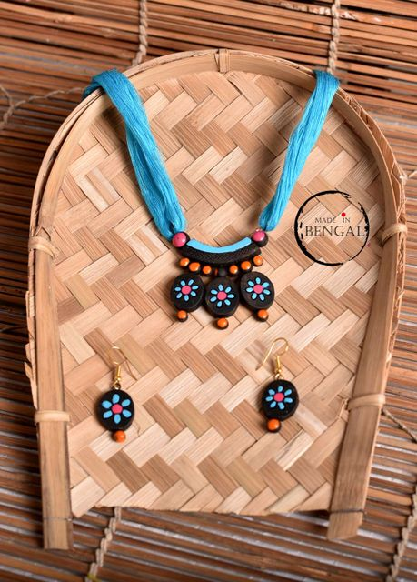 Handcrafted Terracotta Jewelry set in Multicolours