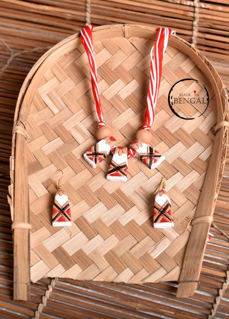 Handcrafted Terracotta Jewelry set in Red - White - Black