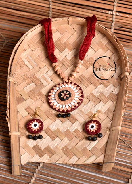 Handcrafted Terracotta Jewelry set in Deep Red & Black