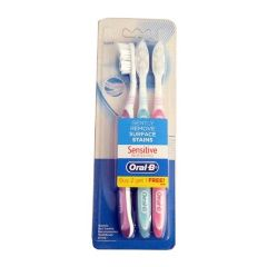 Oral-B Tooth Brush - Sensitive Whitening (Soft), 2 + 1 Free