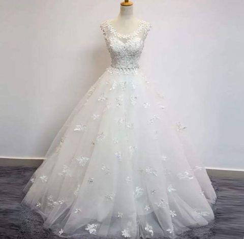 Ivory Applique Lace tulle floor length ball gown wedding dress