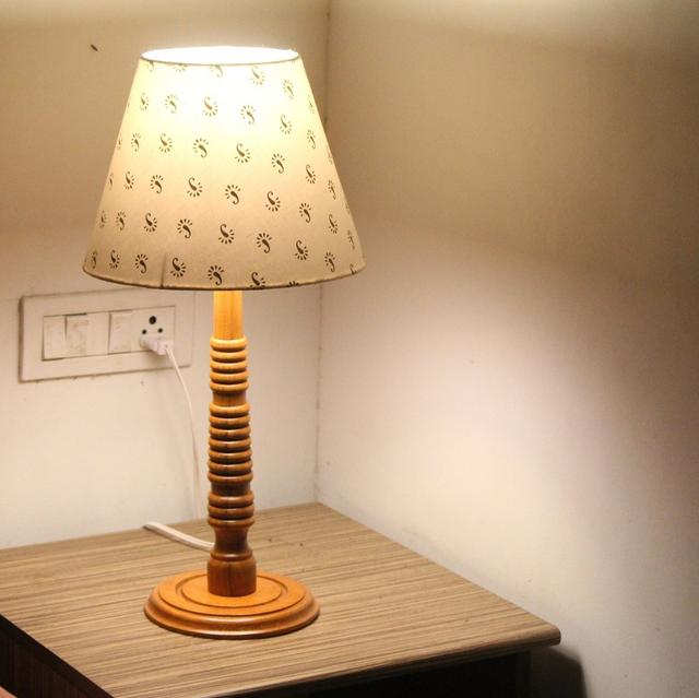 Scorpion Spotlight Tablelamp