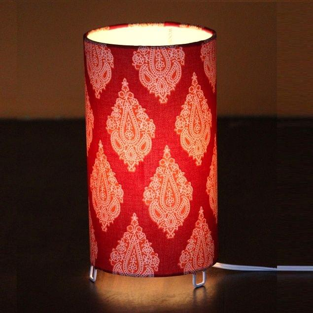 Classical Red Shortie Circle Table Lamp