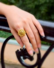 Finger Ring in Gold Oxidized Metal- Round Motif 6