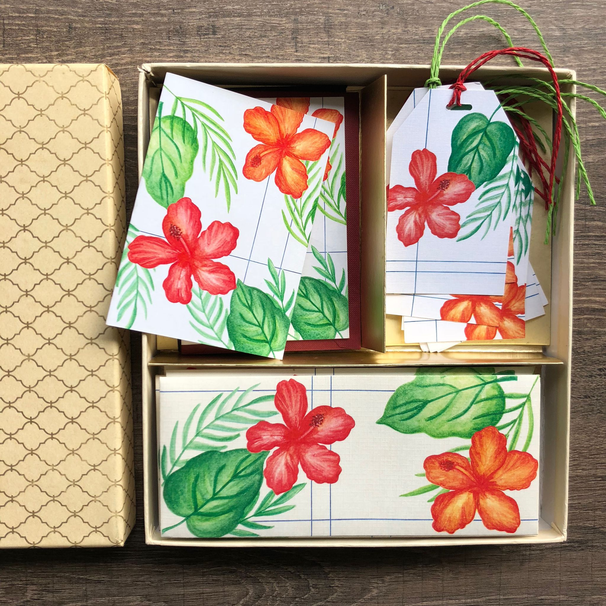 Hibiscus & Leaves Stationery set