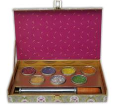 Holi Special Gift Pack - Set of 7 Colorful & Flavored Mishri + Holi Pichkari inside the pack