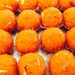 Sugarfree Moti Chur laddu |limitTo:2
