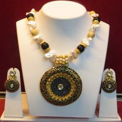 Diva Inspired Heavy Pendant Malaset With Earrings