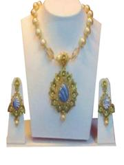Stylish Pearl Malaset With Golden And Blue Pendant