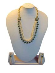 Stunning Chunky White And Pink Stones Chain Set