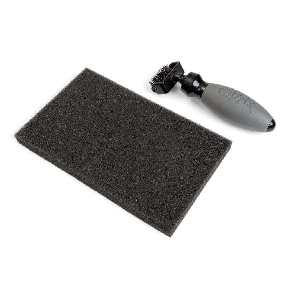 Sizzix Accessory - Die Brush & Foam Pad for Wafer-Thin Dies - 660513