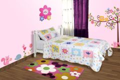 BABY OODLES - QUILTED BLANKET / BEDCOVER HAPPY DAISIES THEME