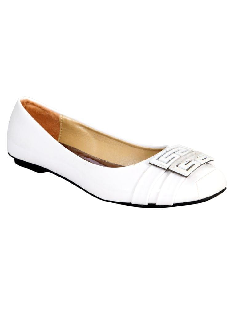 Port Women's White Ballerinas