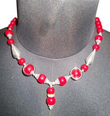 Port Exclusive Red Pearl Studded Silver Alloy Necklace