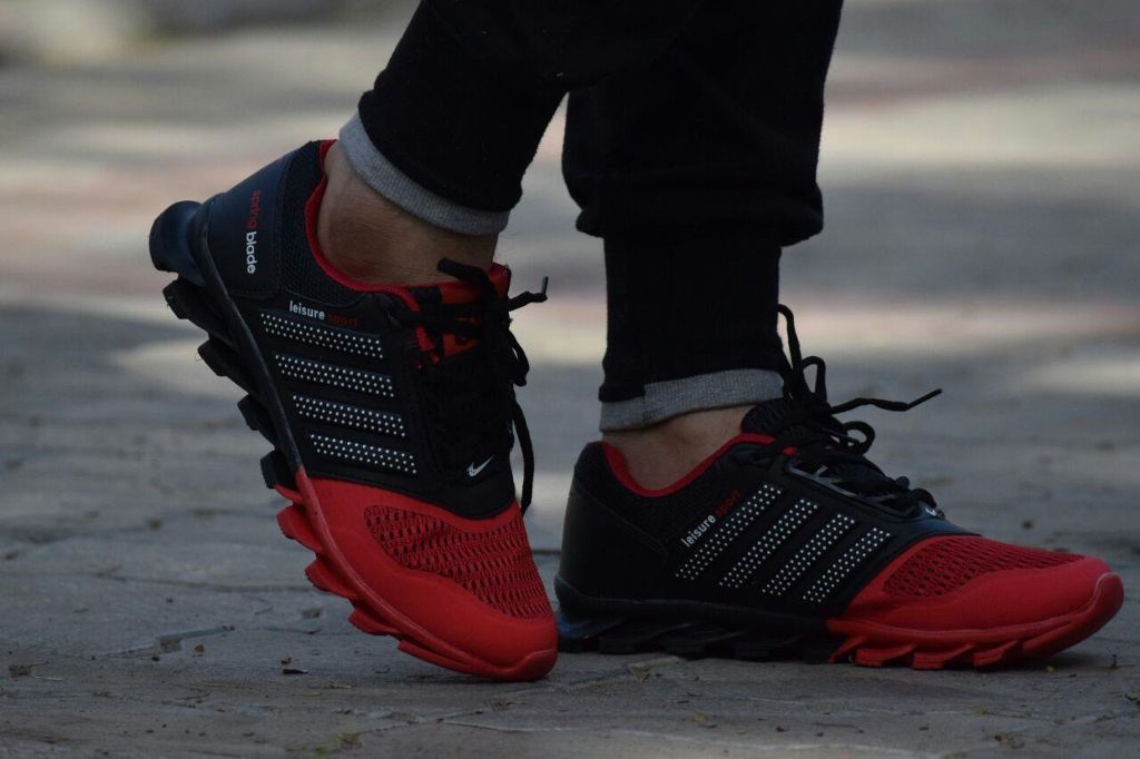 Branded Men's Sports shoes