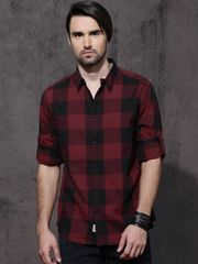 Men Black & Maroon Slim Fit Checked Casual Shirt
