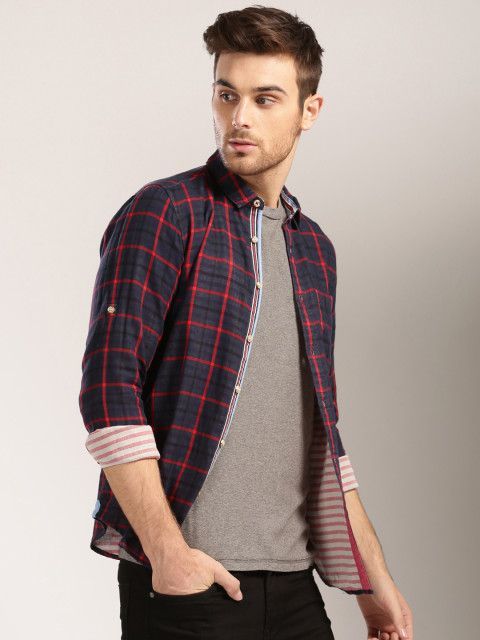 Men Navy & Red Checked Casual Shirt