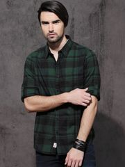 Men Black & Green Slim Fit Checked Casual Shirt