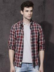 Men Maroon & Navy Blue Slim Fit Checked Casual Shirt