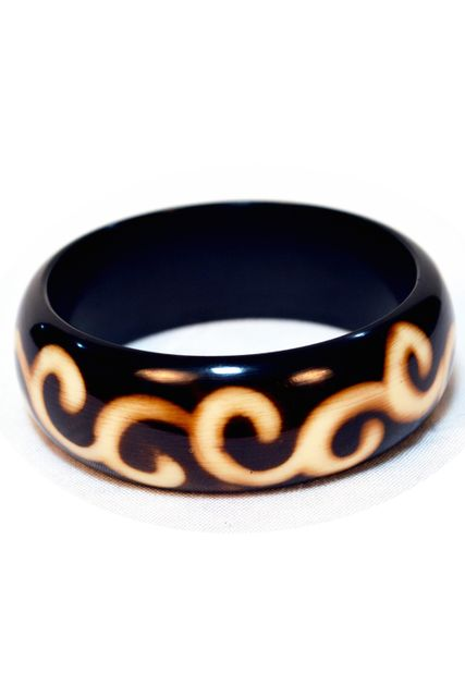 BROAD AZTEC WINE BANGLE