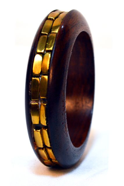 SLIM WOODEN SANDWICH BANGLE