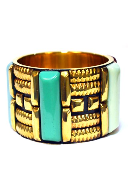 BROAD BR SCULPTED BANGLE