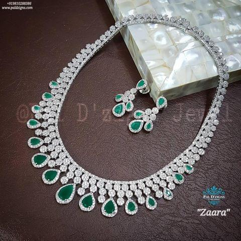 Zaara Emerald Diamond Set