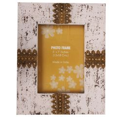 Purpledip Distress finish photo frame with brass adornments for 5x7 inch picture size,White Color (10126)